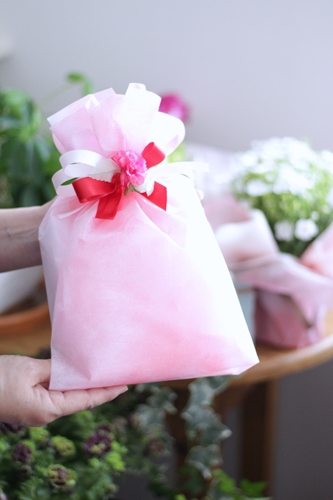 母の日の贈り物お持ち込みラッピング