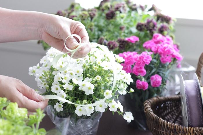 フラワーラッピングお花のリボン作り方